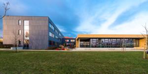 Sally-Perel-Gesamtschule feiert ihre Umbenennung